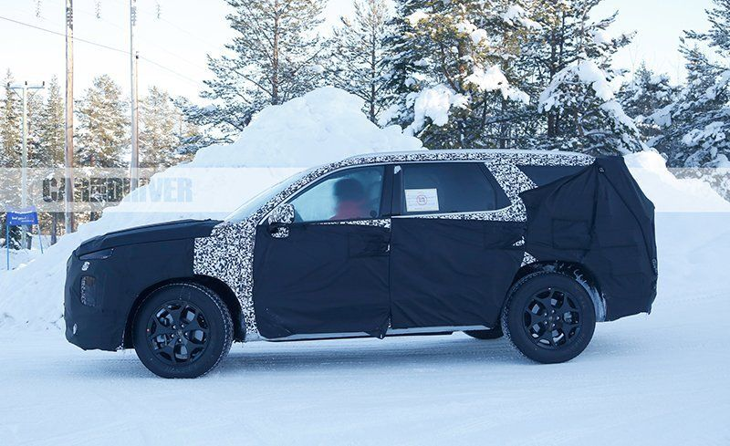 Full-Size Hyundai SUV Spied ahead of 2019 Debut | News | Car and Driver