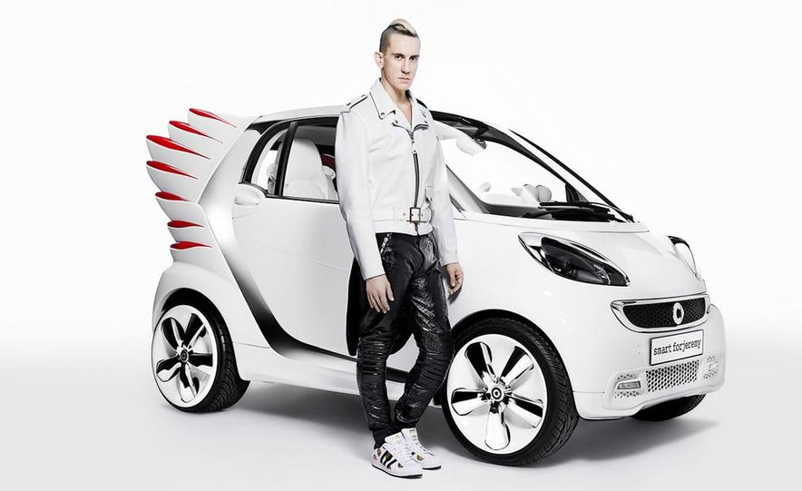 Smart Fortwo Edition by Jeremy Scott - Slide 23