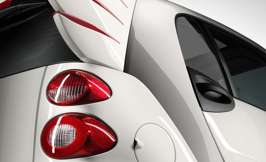 Smart Fortwo Edition by Jeremy Scott - Slide 3