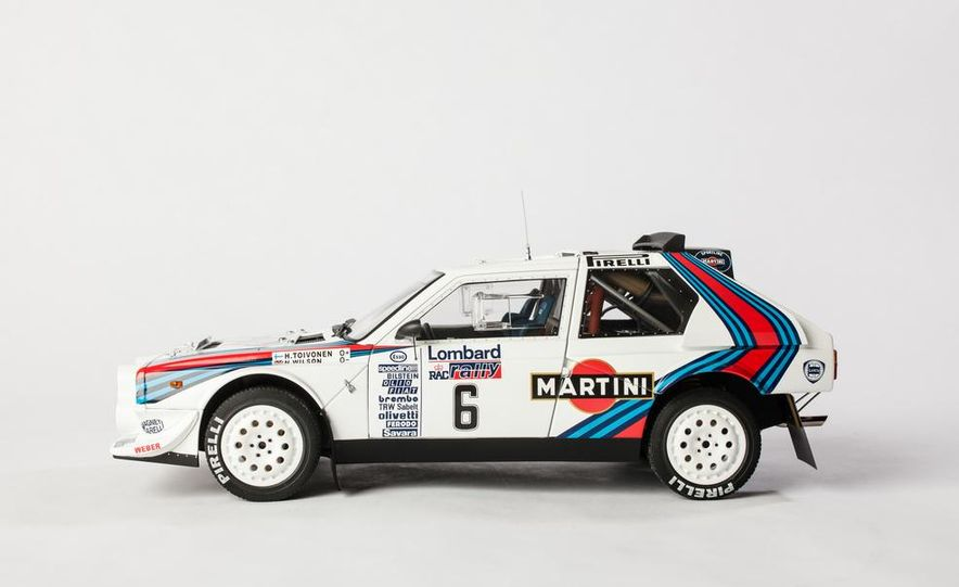 AUTOart 1985 Lancia Delta S4 rally car model - Slide 4