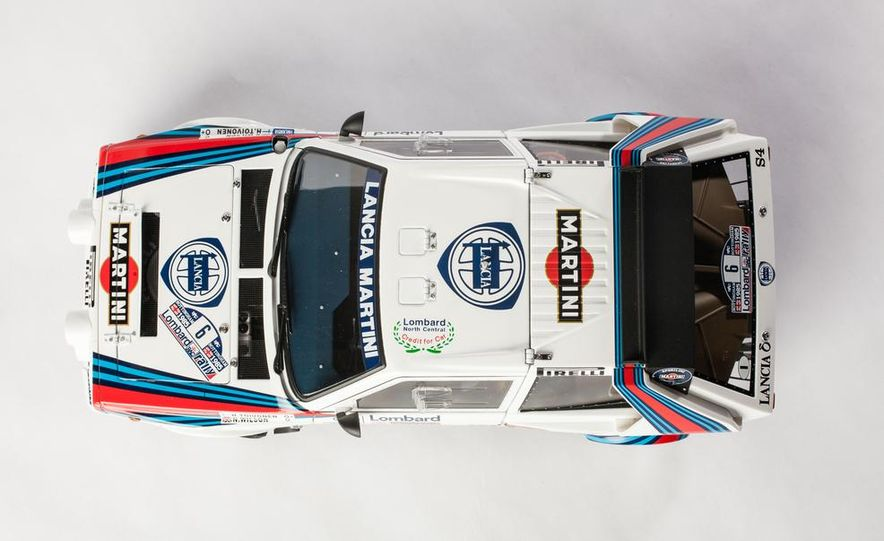 AUTOart 1985 Lancia Delta S4 rally car model - Slide 5