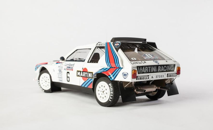 AUTOart 1985 Lancia Delta S4 rally car model - Slide 6