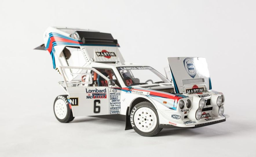 AUTOart 1985 Lancia Delta S4 rally car model - Slide 9
