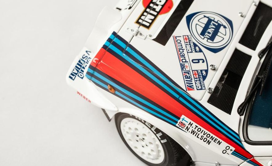 AUTOart 1985 Lancia Delta S4 rally car model - Slide 14