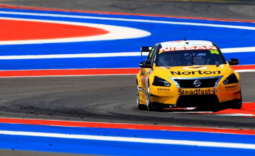 2013 Nissan Altima sedan and race cars at the Circuit of the Americas - Slide 8