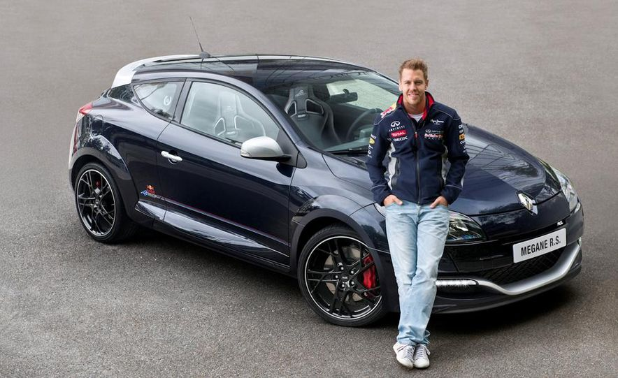 Renault Mégane RS Red Bull Racing RB8 Special Edition - Slide 6
