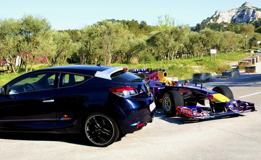 Renault Mégane RS Red Bull Racing RB8 Special Edition - Slide 5
