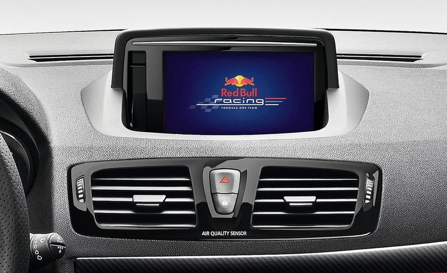Renault Mégane RS Red Bull Racing RB8 Special Edition - Slide 14