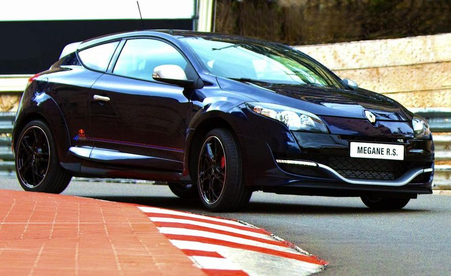 Renault Mégane RS Red Bull Racing RB8 Special Edition - Slide 2