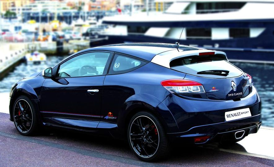 Renault Mégane RS Red Bull Racing RB8 Special Edition - Slide 4