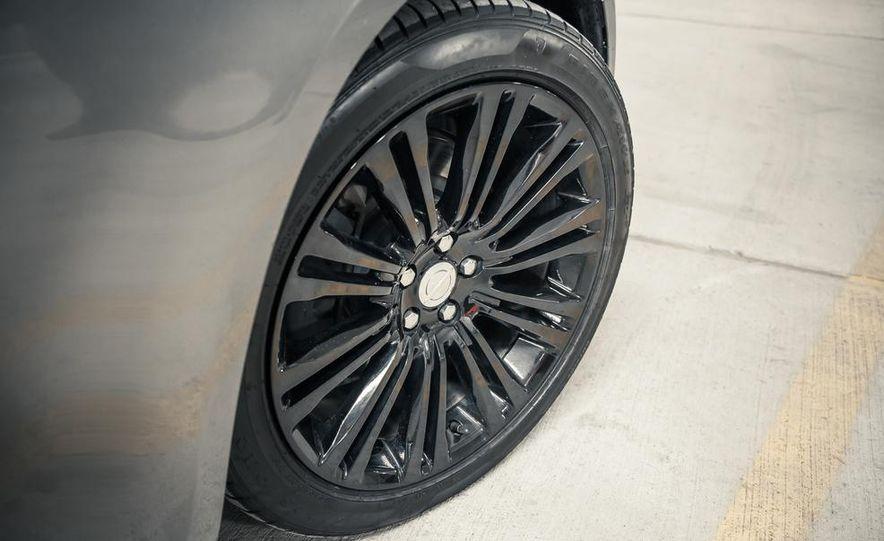 2012 Chrysler 300C - Slide 12
