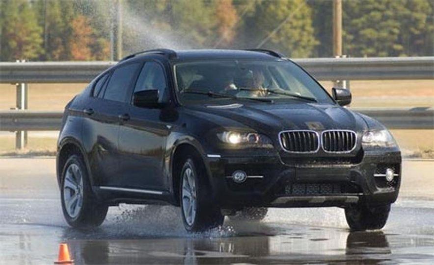 2009 BMW X6 - Slide 15