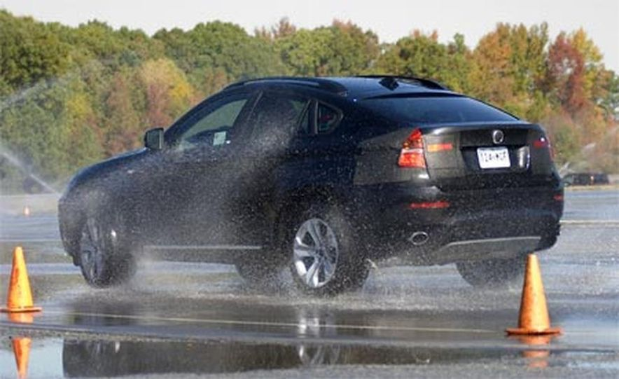 2009 BMW X6 - Slide 18