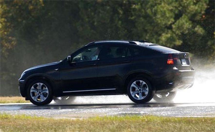 2009 BMW X6 - Slide 21