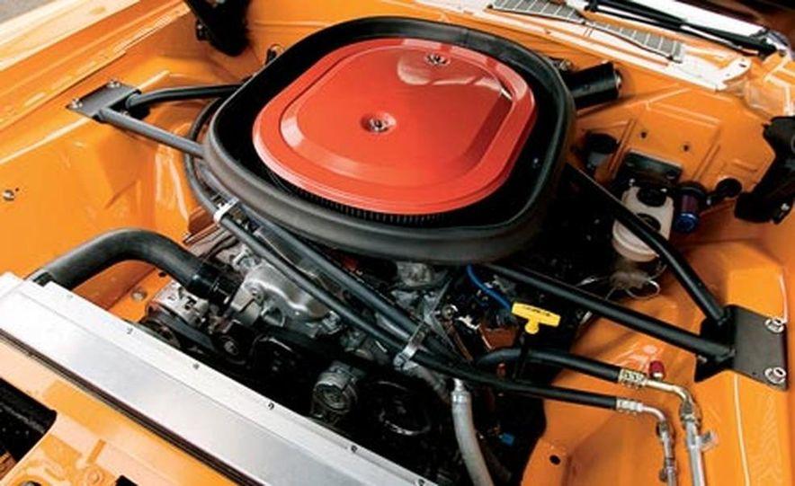 XV Dodge Challenger - Slide 4
