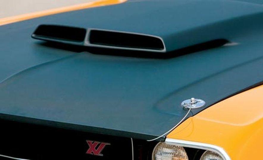 XV Dodge Challenger - Slide 7
