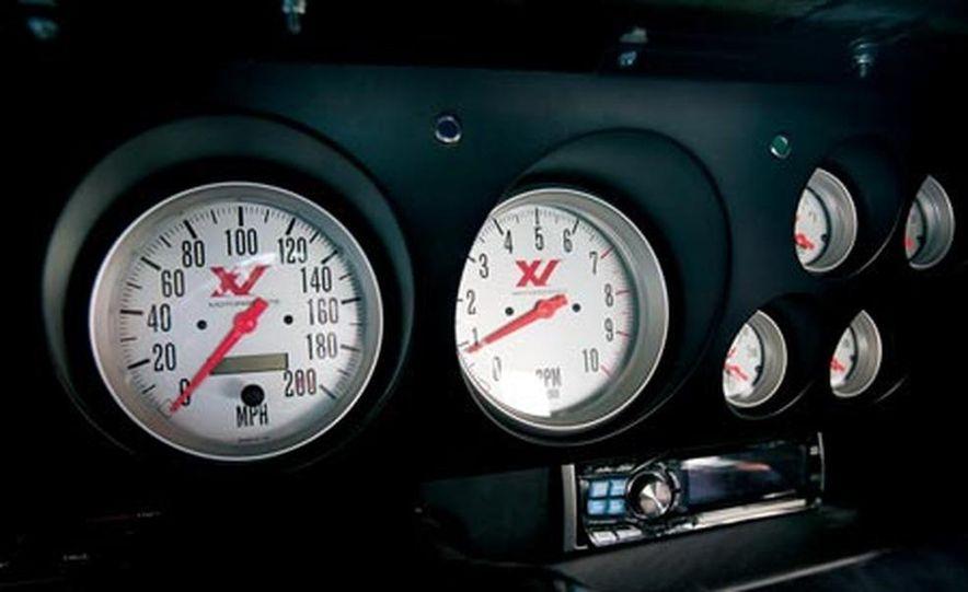 XV Dodge Challenger - Slide 8