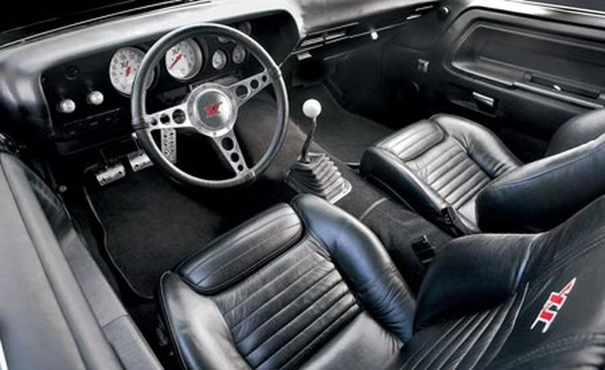 XV Dodge Challenger - Slide 9