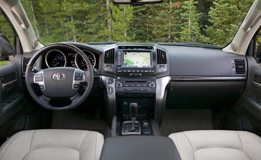 2008 Toyota Land Cruiser - Slide 15