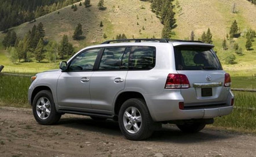2008 Toyota Land Cruiser - Slide 3