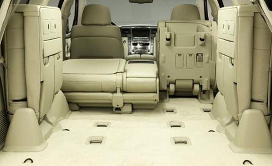 2008 Lexus LX570 - Slide 11