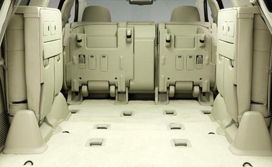 2008 Lexus LX570 - Slide 12