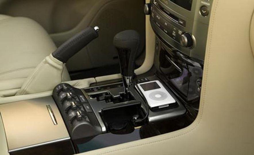 2008 Lexus LX570 - Slide 13