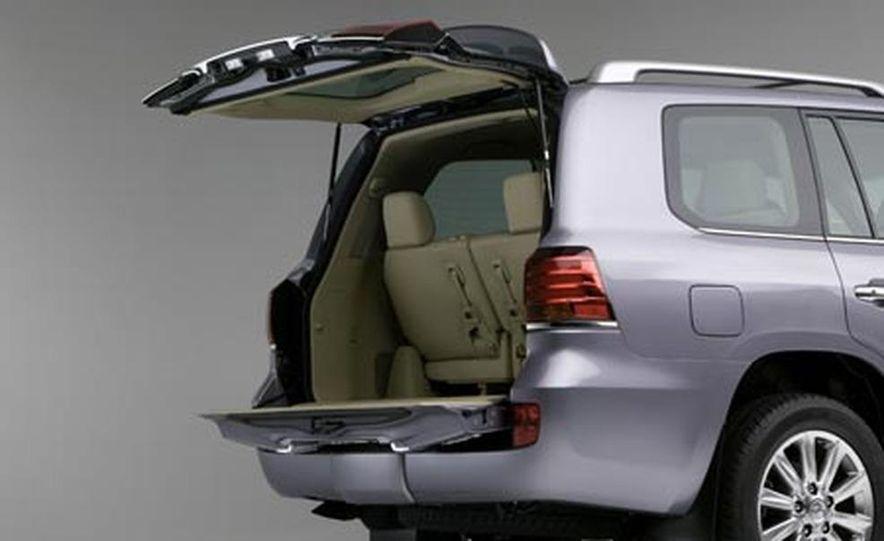 2008 Lexus LX570 - Slide 8