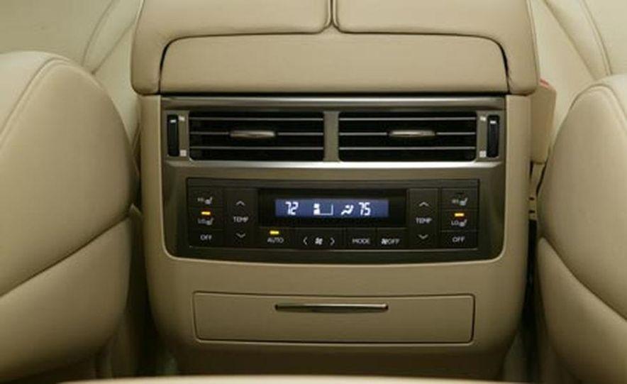2008 Lexus LX570 - Slide 18