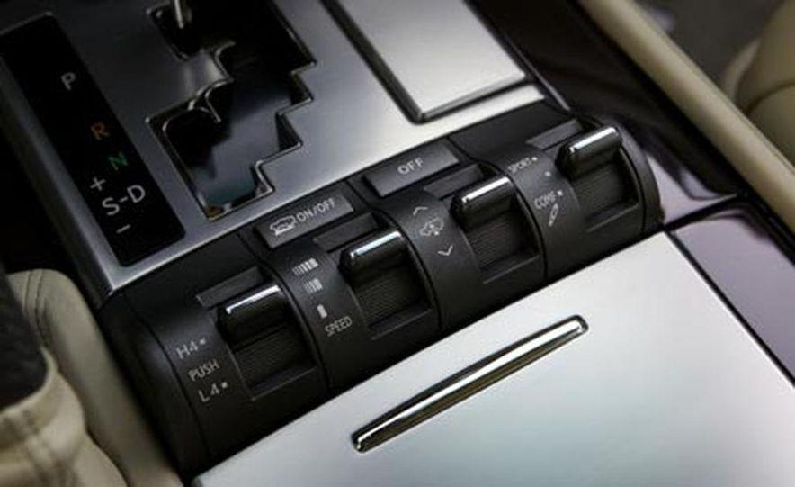 2008 Lexus LX570 - Slide 19