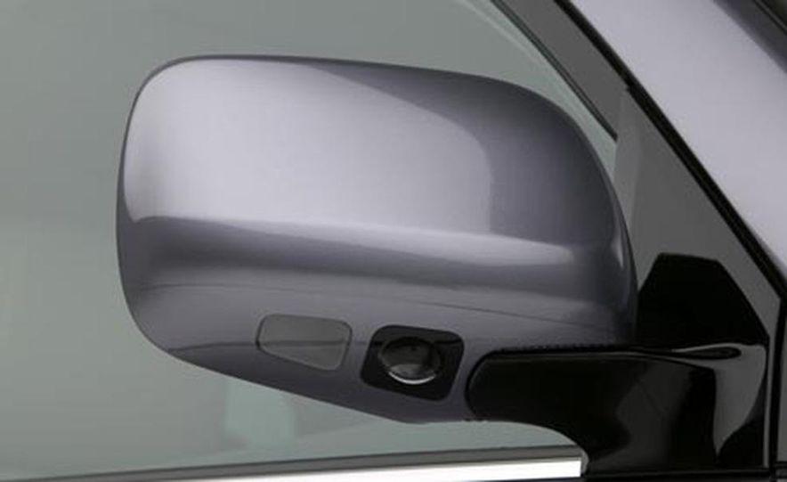 2008 Lexus LX570 - Slide 21