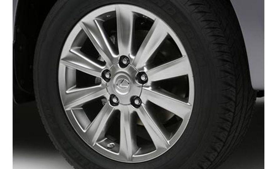 2008 Lexus LX570 - Slide 23