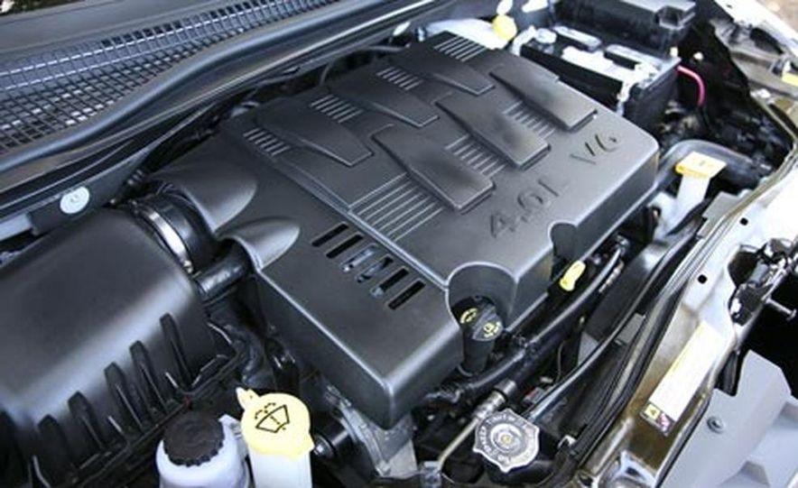 2008 Chrysler Town $amp; Country - Slide 31