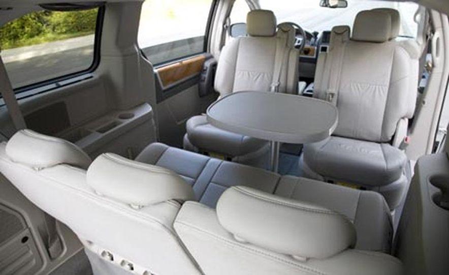 2008 Chrysler Town $amp; Country - Slide 21