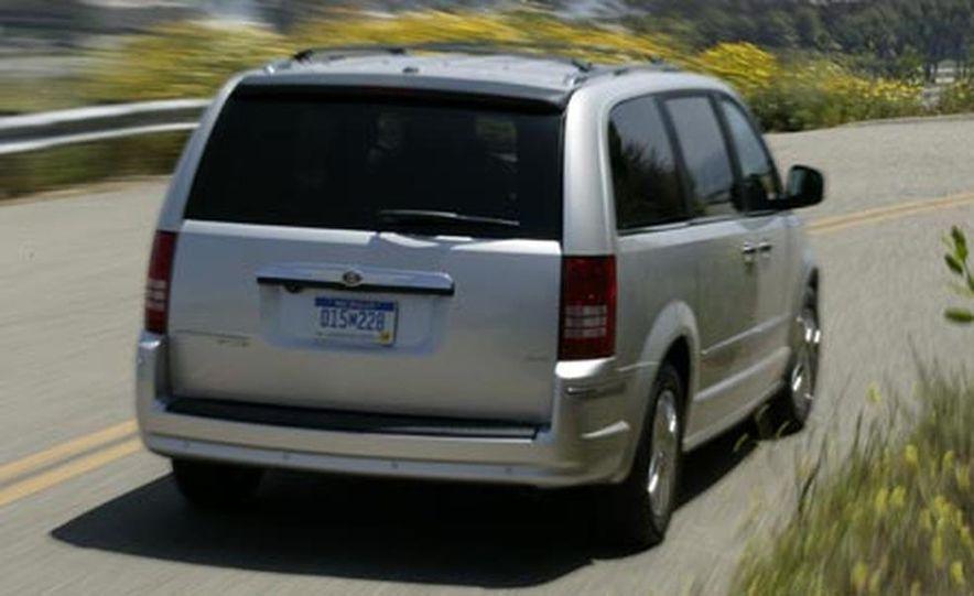 2008 Chrysler Town $amp; Country - Slide 3
