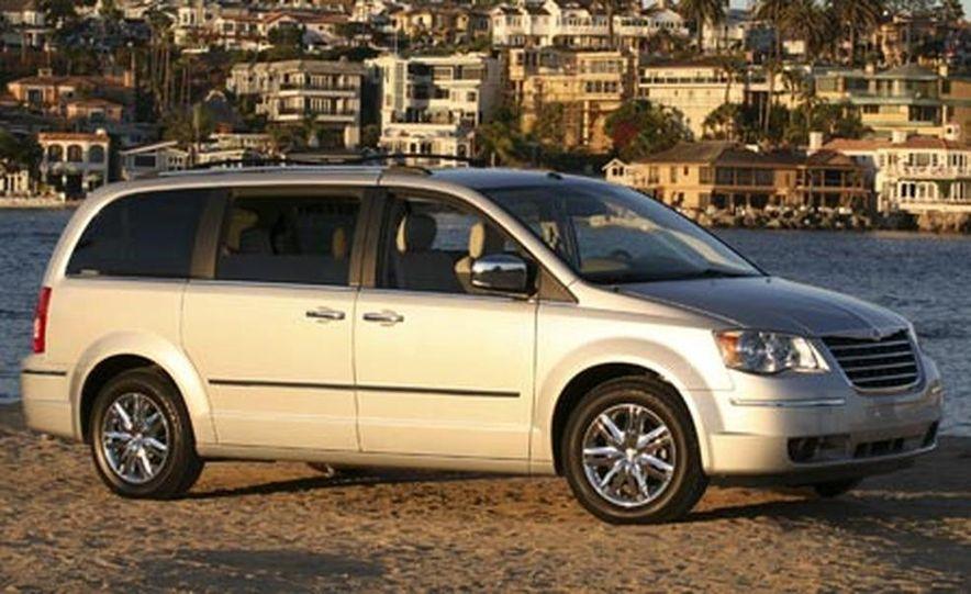 2008 Chrysler Town $amp; Country - Slide 5