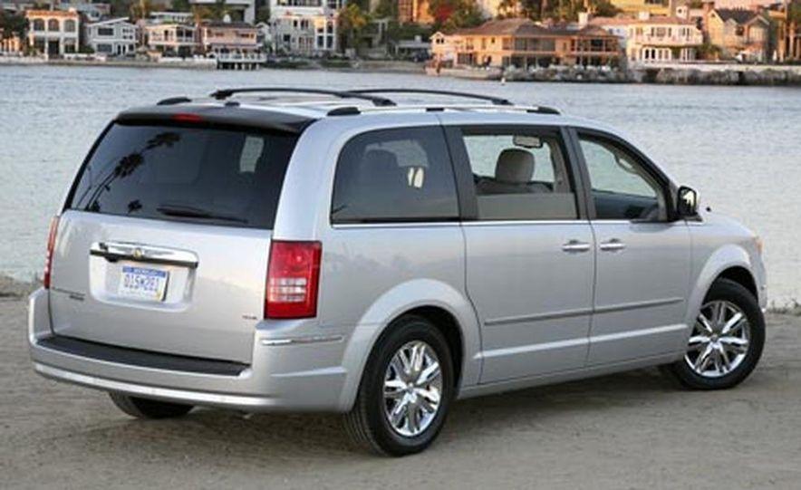2008 Chrysler Town $amp; Country - Slide 6