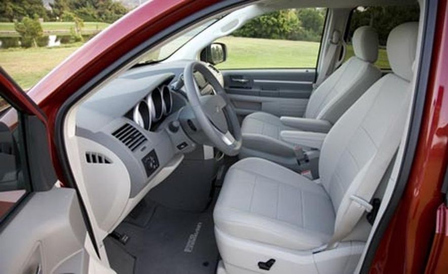 2008 Chrysler Town $amp; Country - Slide 26