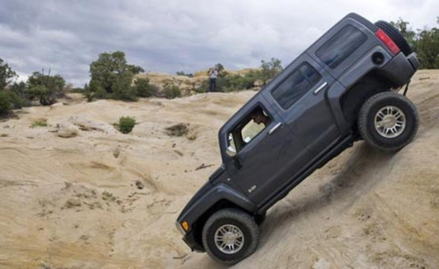 2008 Hummer H3 Alpha - Slide 12