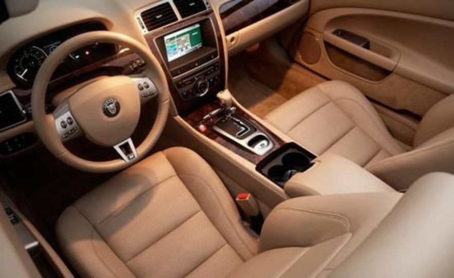 2007 Jaguar XKR convertible - Slide 18