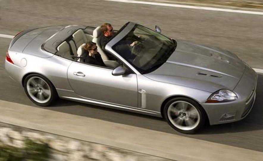 2007 Jaguar XKR convertible - Slide 13
