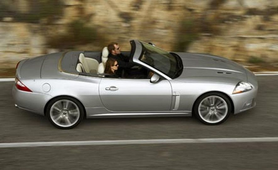 2007 Jaguar XKR convertible - Slide 15