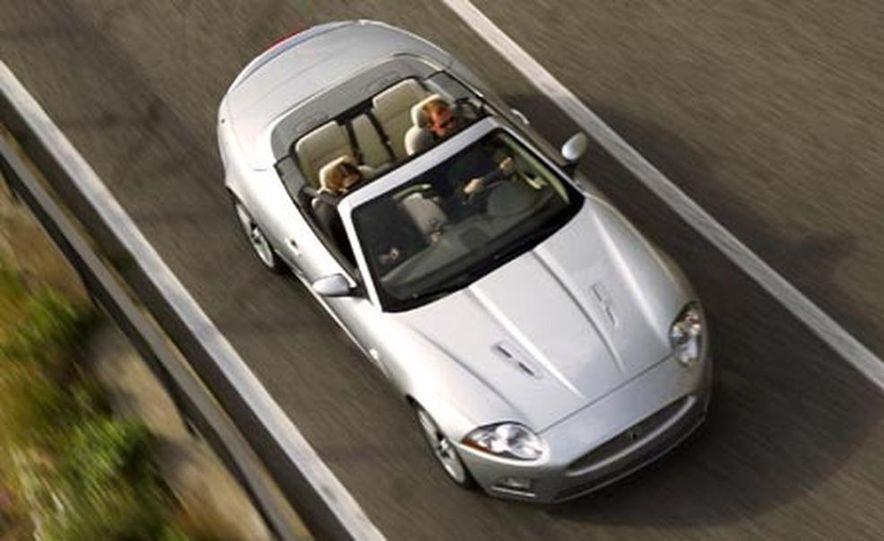 2007 Jaguar XKR convertible - Slide 16