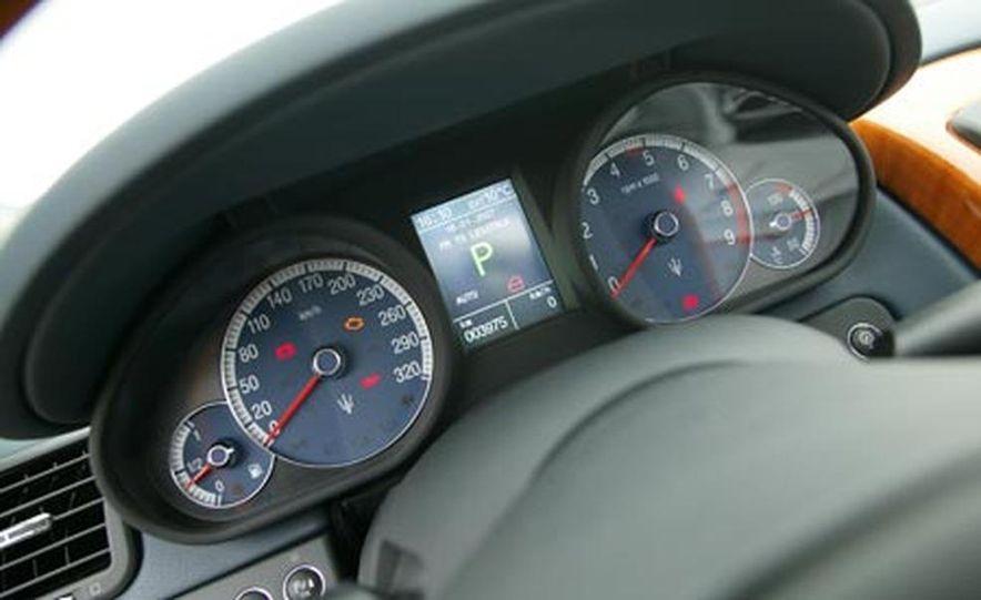 2007 Maserati Quattroporte automatic - Slide 12