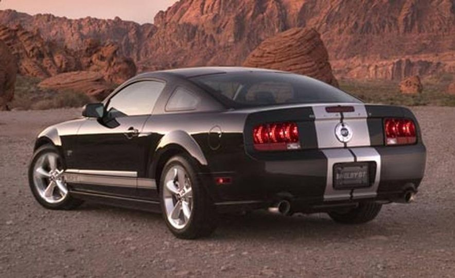 2007 Ford Mustang Shelby GT - Slide 2