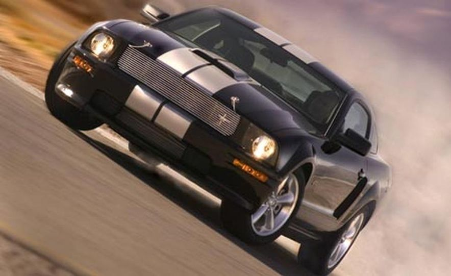 2007 Ford Mustang Shelby GT - Slide 3