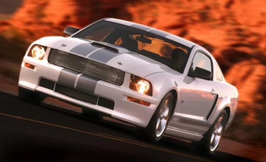 2007 Ford Mustang Shelby GT - Slide 5