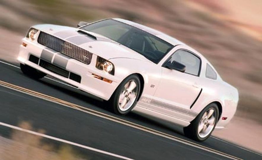 2007 Ford Mustang Shelby GT - Slide 6