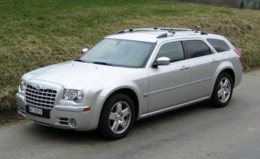 2007 Chrysler 300C Touring AWD - Slide 3