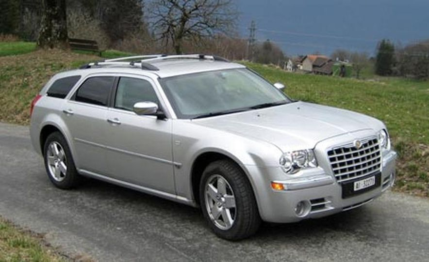 2007 Chrysler 300C Touring AWD - Slide 4